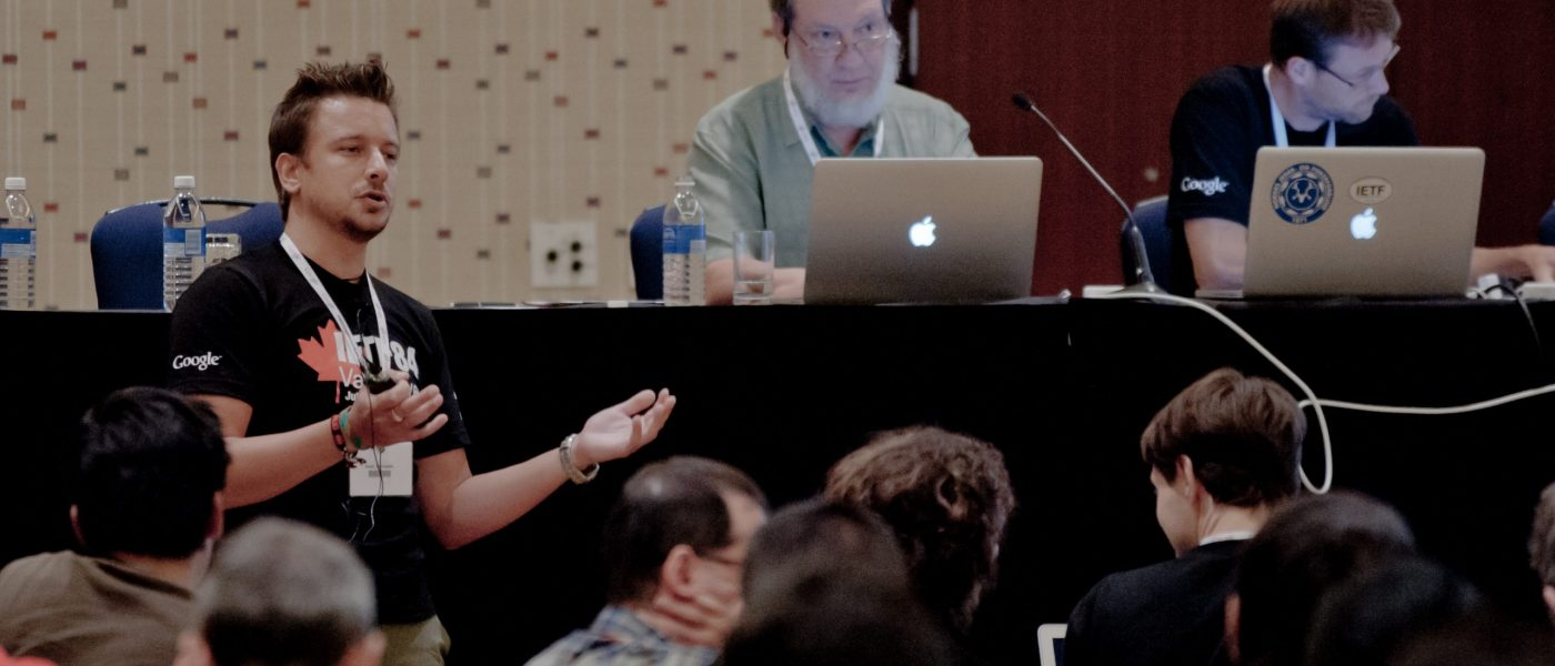 Fernando Gont presenting at the IPv6 Maintenance WG.